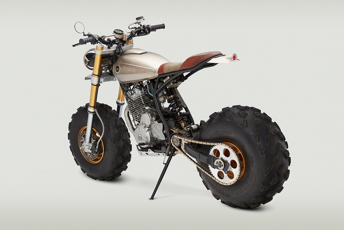 classified moto bw650 din spate