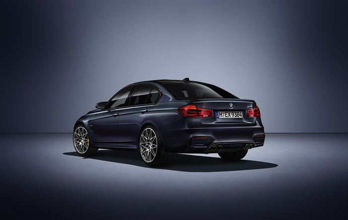 BMW M3 30 years din spate