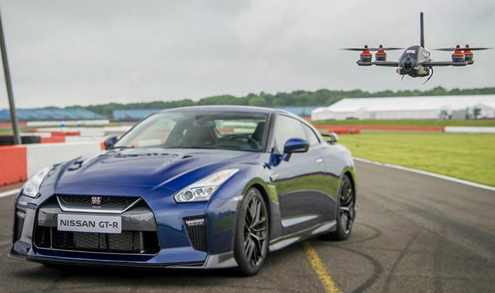 Drona Nissan GT-R si masina Nissan GT-R