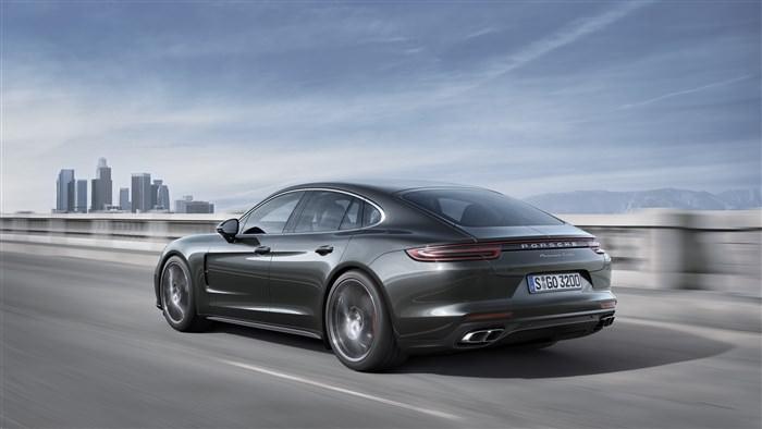 Porsche Panamera 2017 Back