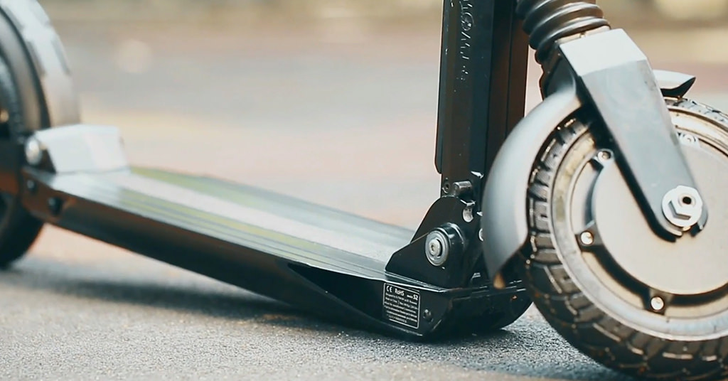 Trotineta electrica E-TWOW redefineste vehiculele de transport