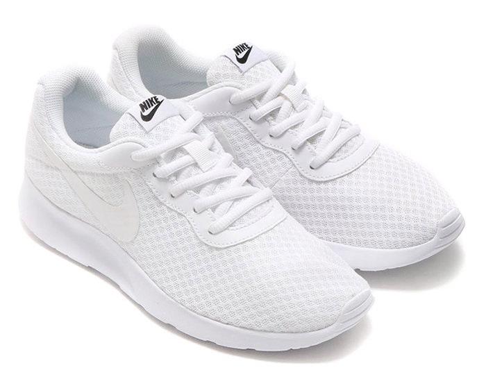 Model Nike Tanjun